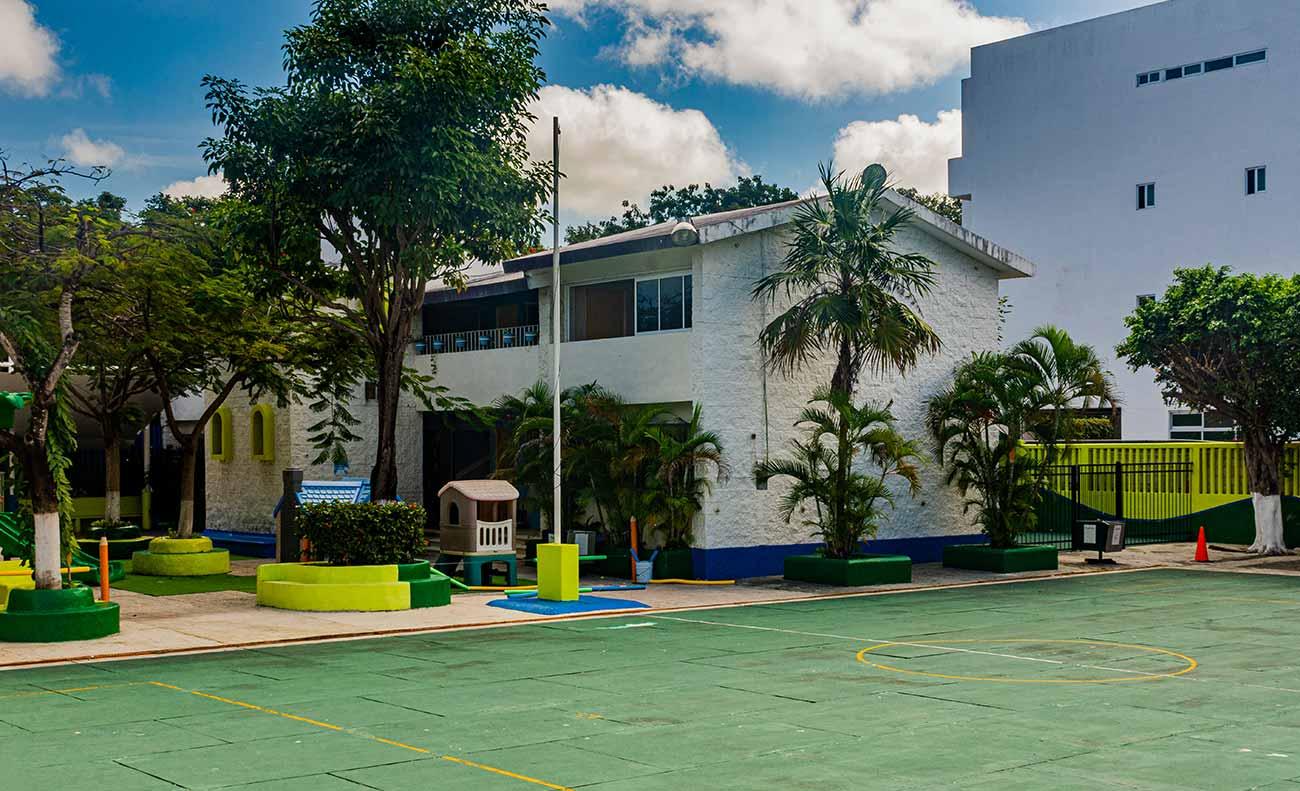 Cancha de Usos Múltiples Edificio Preescolar